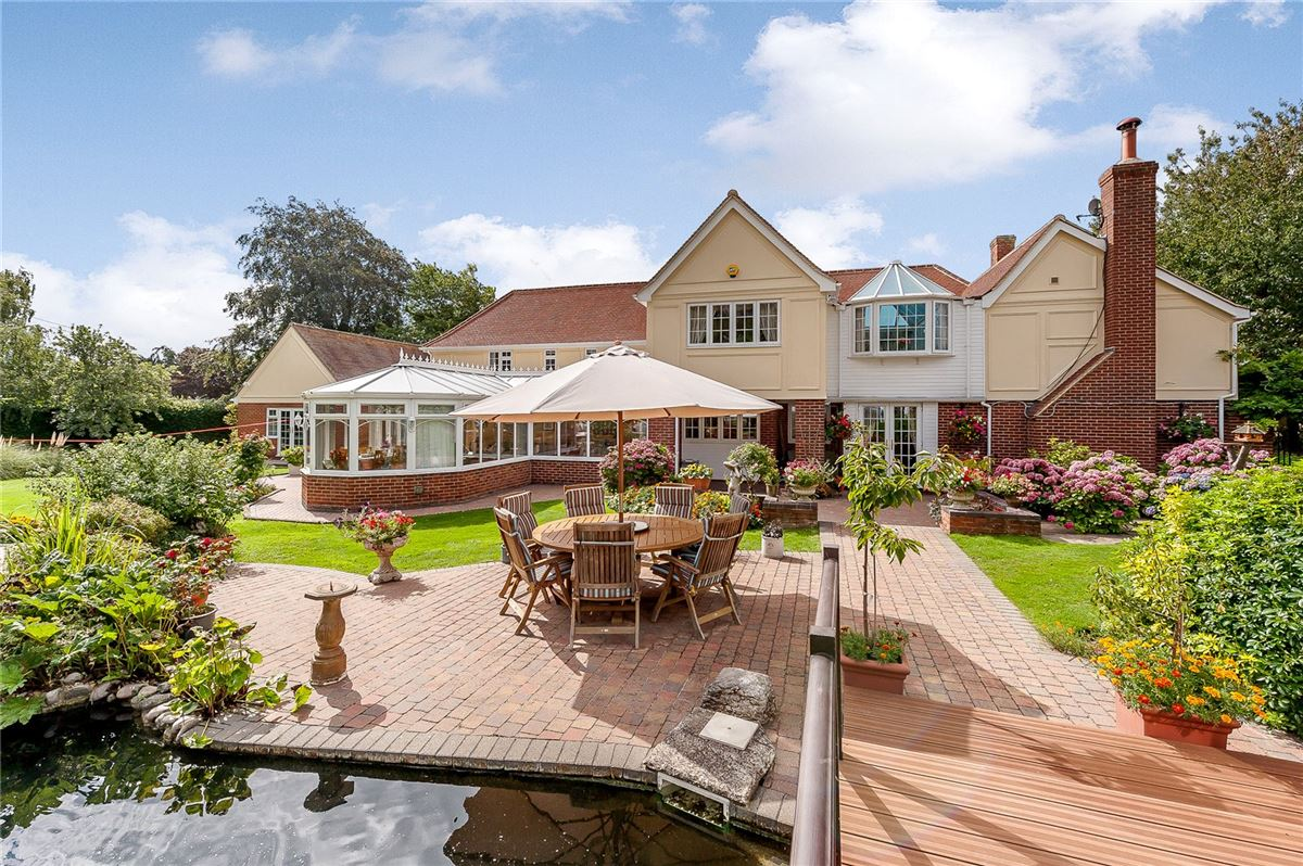 excellent proportions and beautifully presented throughout luxury properties