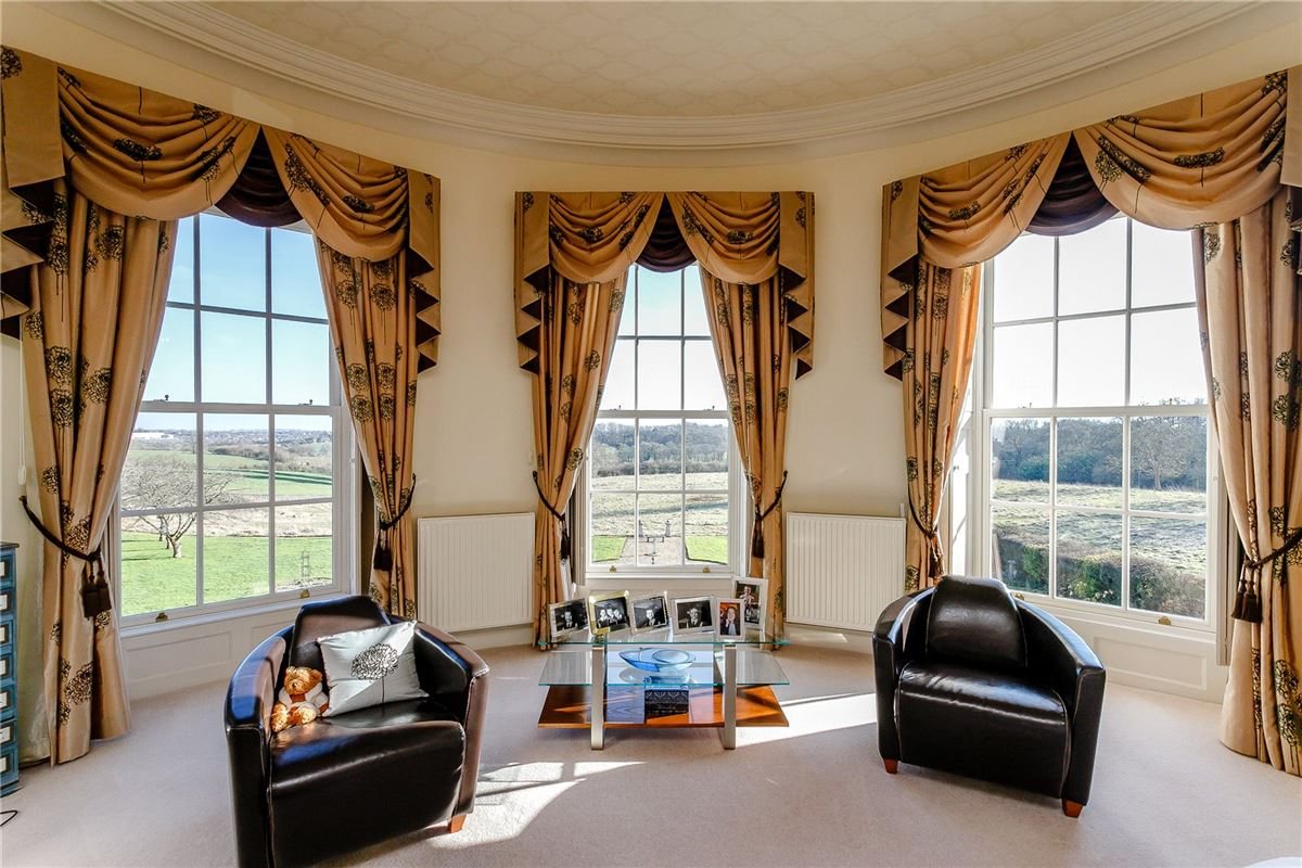 Gorgeous 17th Century estate luxury properties