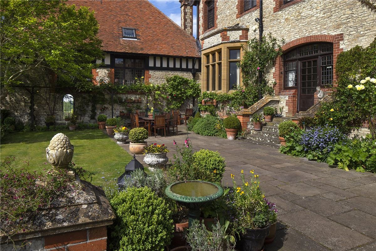 Luxury properties Shillingford Court