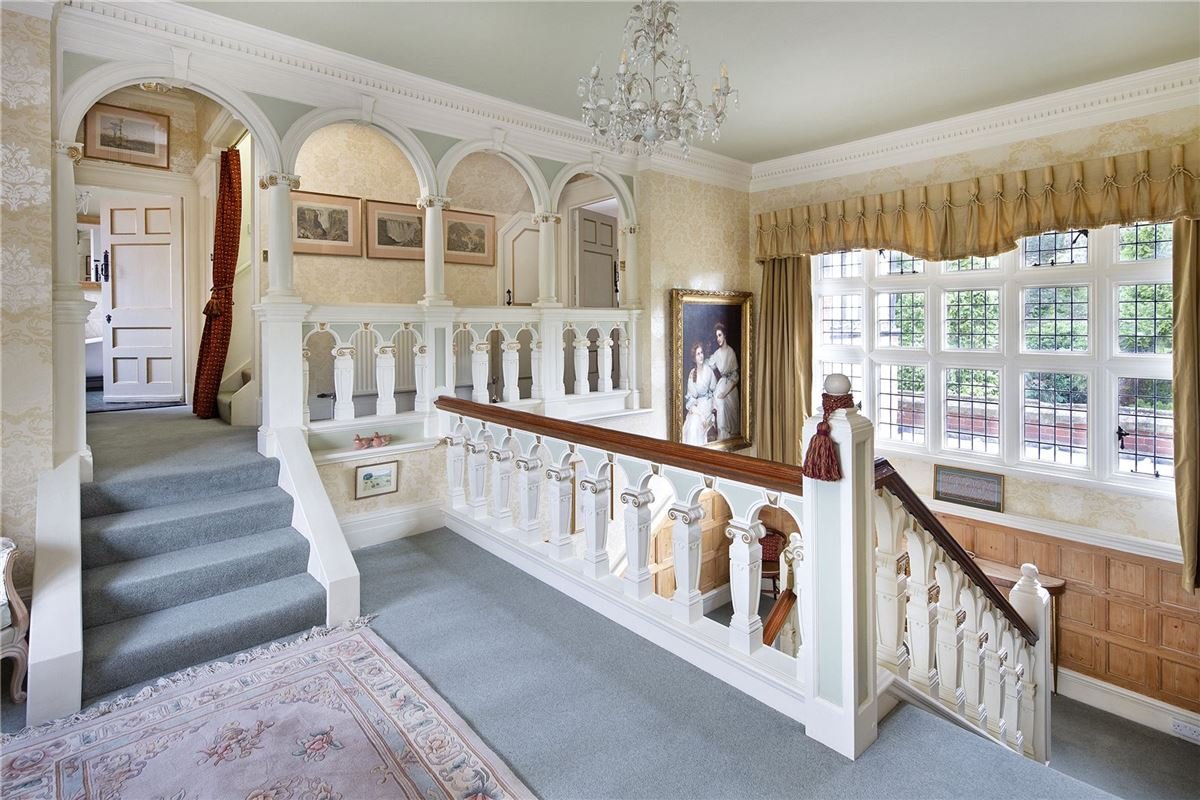 Luxury homes Shillingford Court