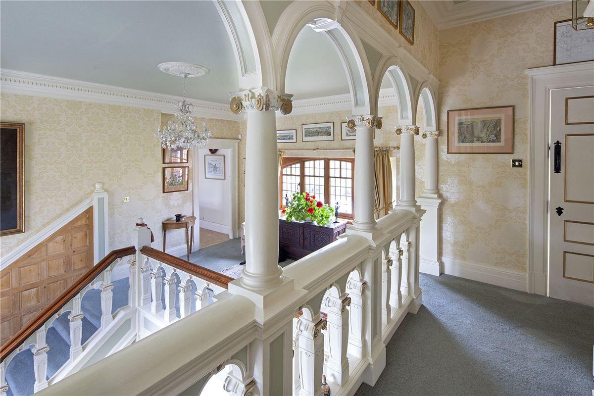 Luxury real estate Shillingford Court