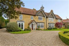 Nine Ashes Farmhouse is a substantial property on lovely grounds mansions