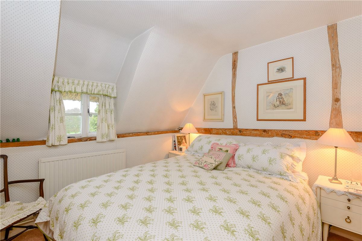 Mansions in lovely cottage in the picturesque Candover Valley
