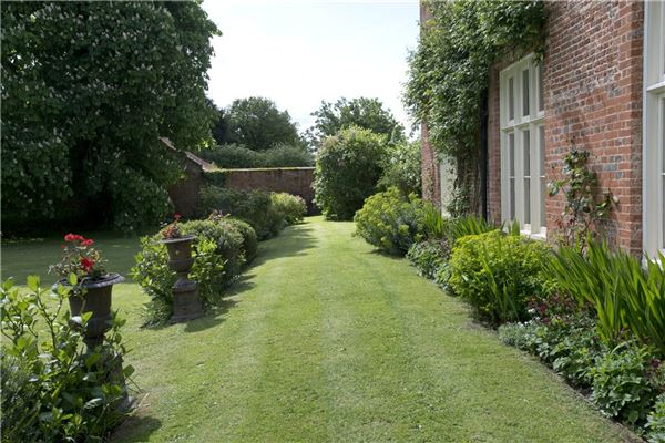 A charming country house in east tuddenham luxury real estate