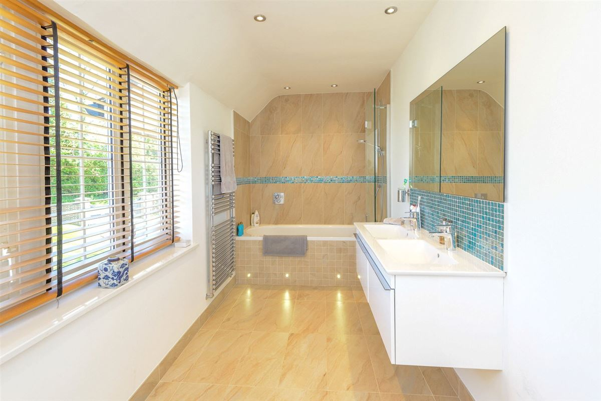 Luxury properties Westridge House