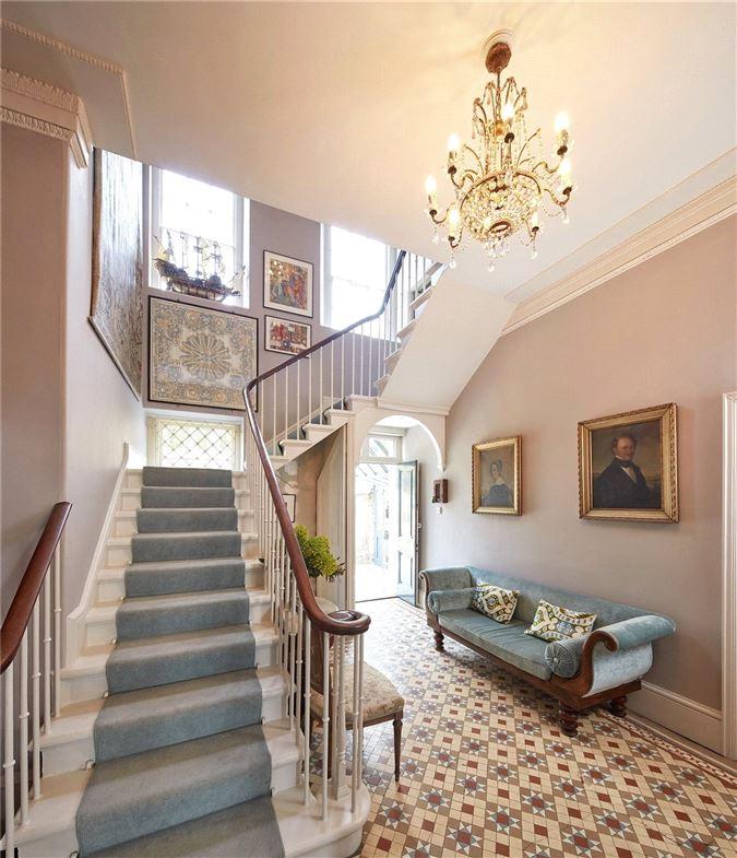 Luxury real estate magnificent Georgian villa