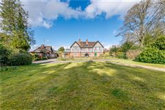 Wonderful period property and bungalow luxury homes