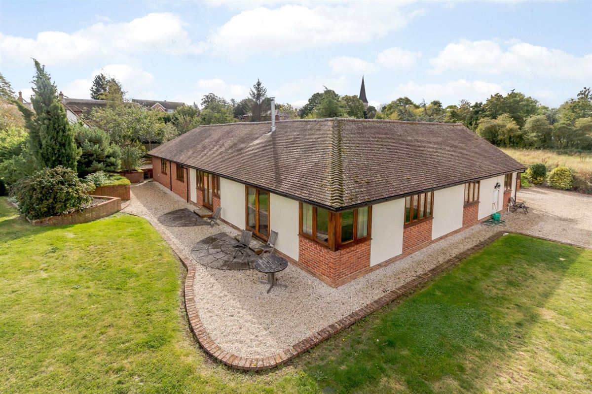 Hillcourt Lodge luxury real estate