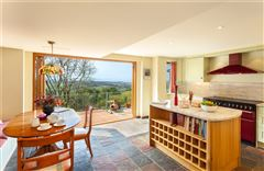 Mansions in an impressive property with magnificent uninterrupted views towards the coast