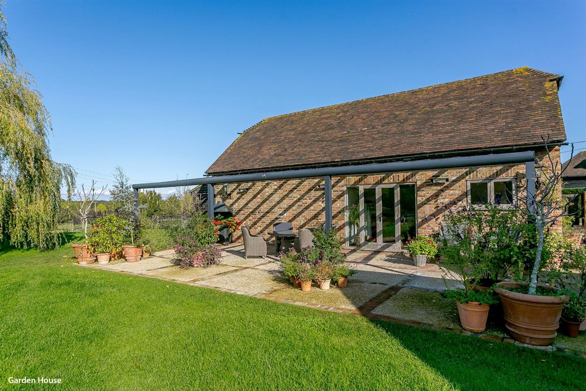 Luxury homes in Fieldlands Barn
