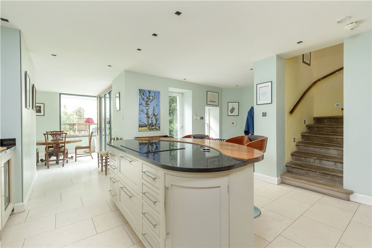exceptional six bedroom full townhouse luxury homes