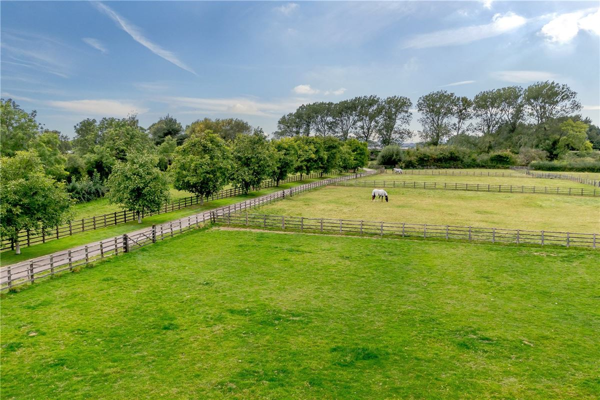 Luxury properties Stunning barn conversion with excellent equestrian facilities and 40 acres