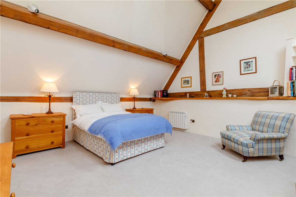 Stunning barn conversion with excellent equestrian facilities and 40 acres luxury properties