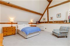 Mansions Stunning barn conversion with excellent equestrian facilities and 40 acres