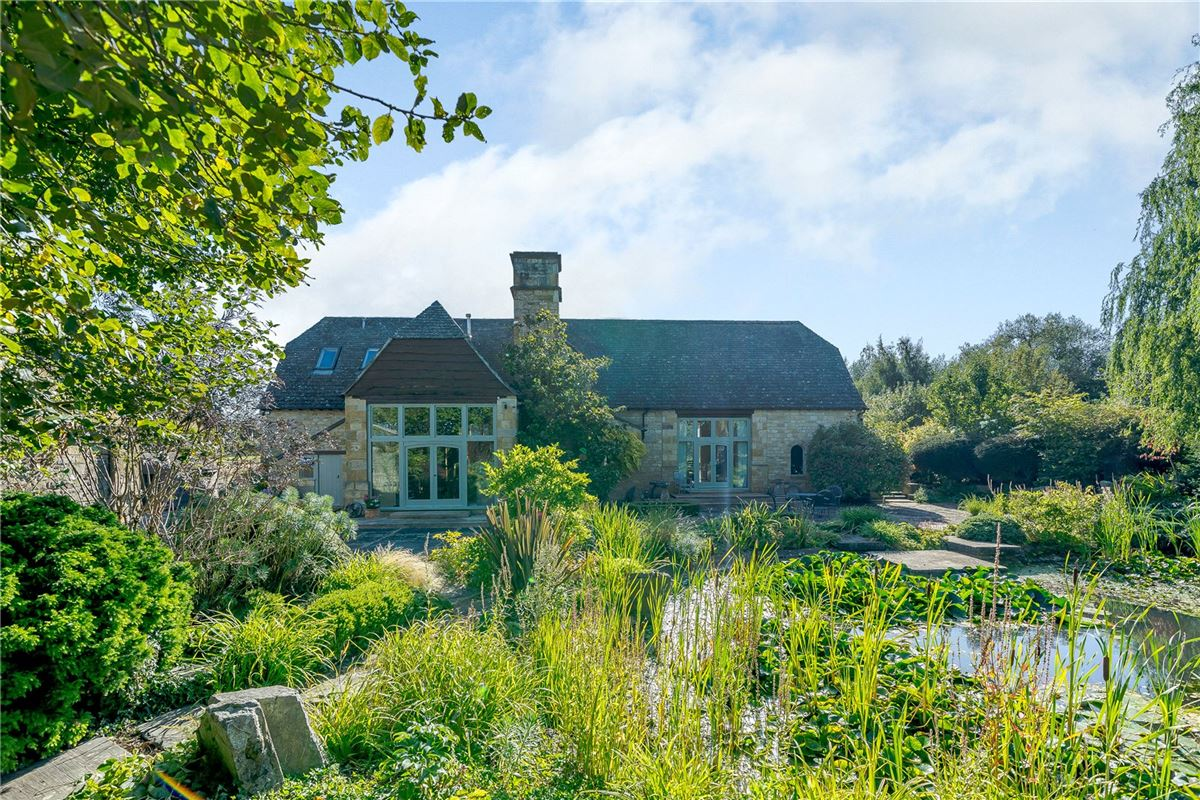 Luxury homes Stunning barn conversion with excellent equestrian facilities and 40 acres