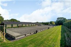 Stunning barn conversion with excellent equestrian facilities and 40 acres mansions