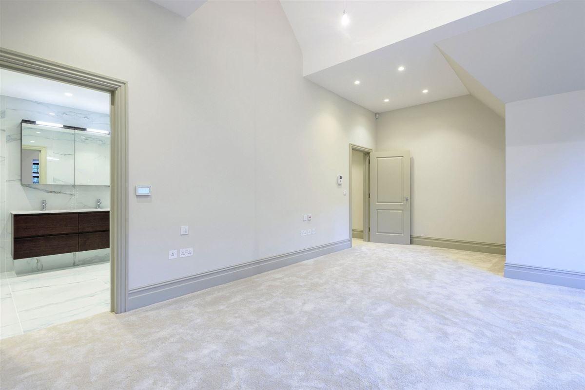 Luxury homes An impressive apartment with lovely open plan and delightful balcony