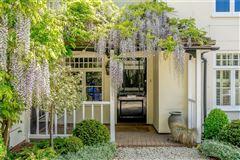 Ouseley Farmhouse luxury properties