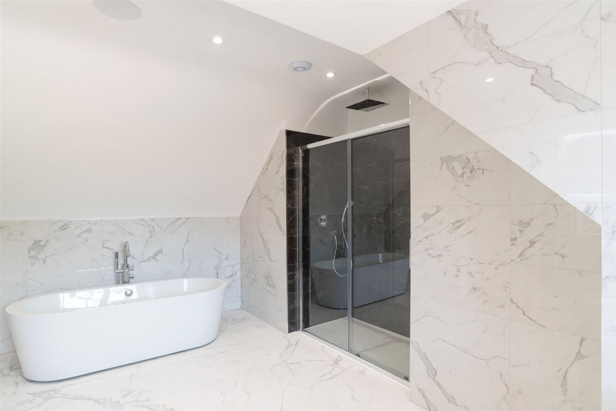 Luxury real estate exquisite home in Heron Mews
