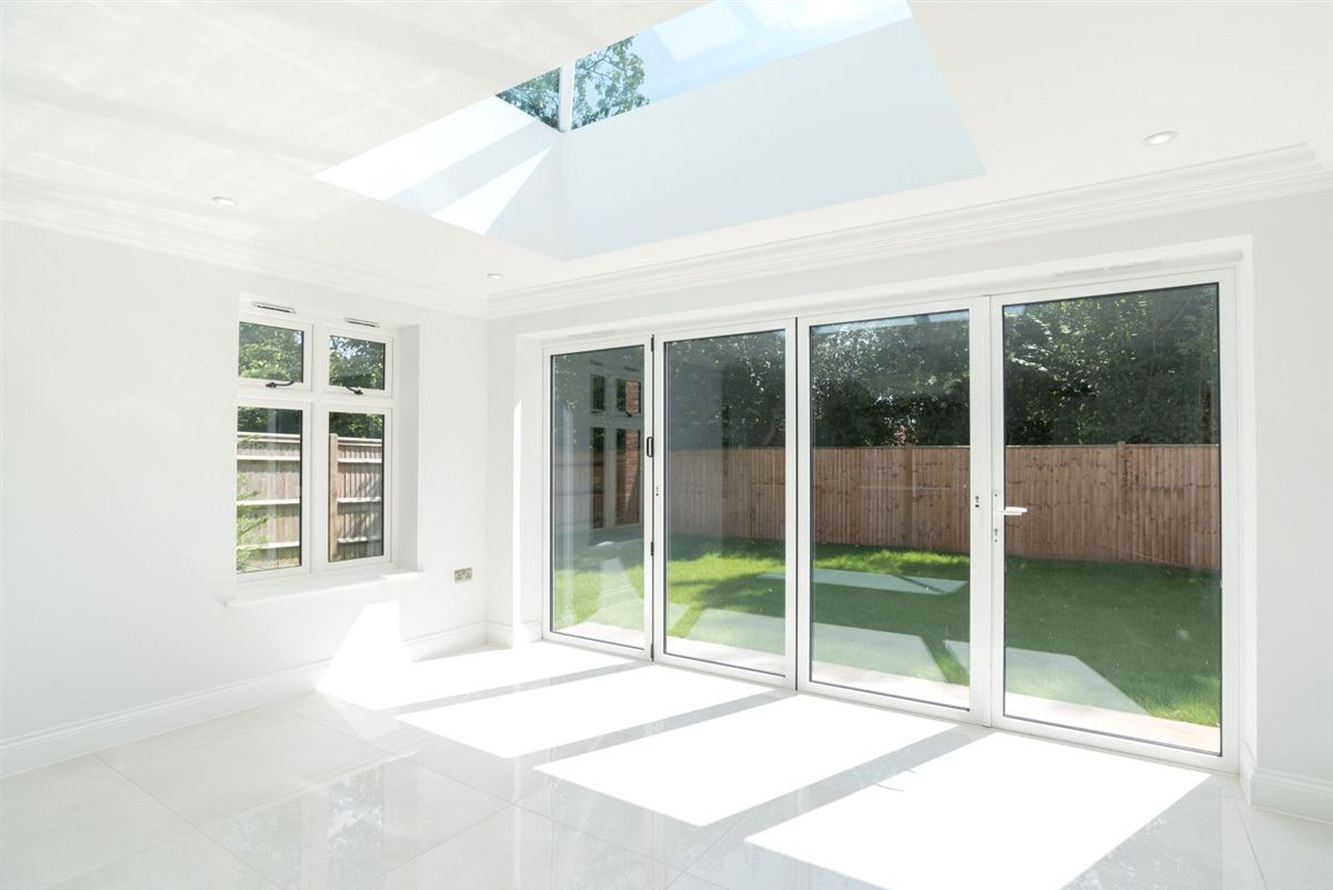 exquisite home in Heron Mews luxury properties