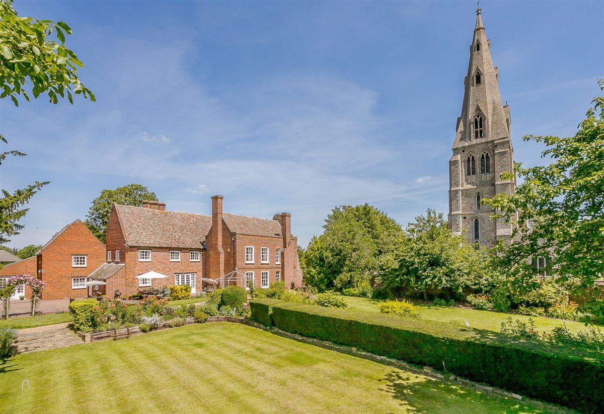 Luxury homes in beautifully appointed  manor house of Historical interest