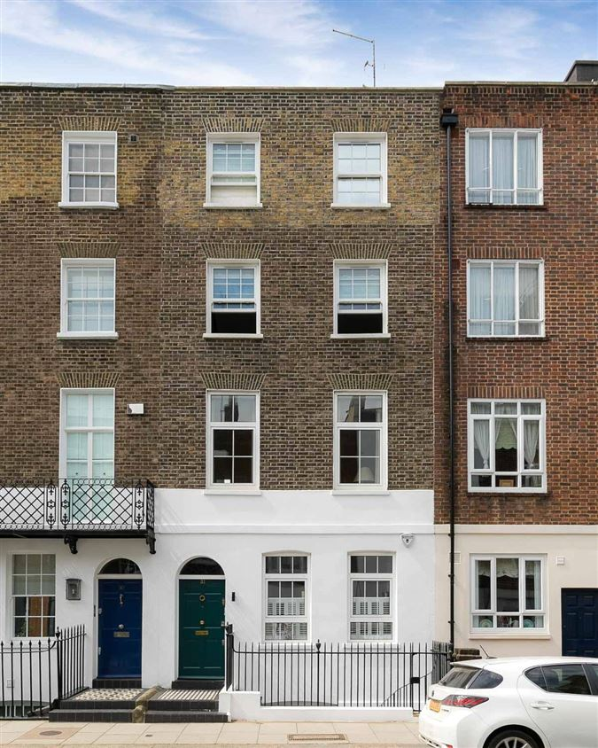charming townhouse in the heart of Chelsea luxury homes
