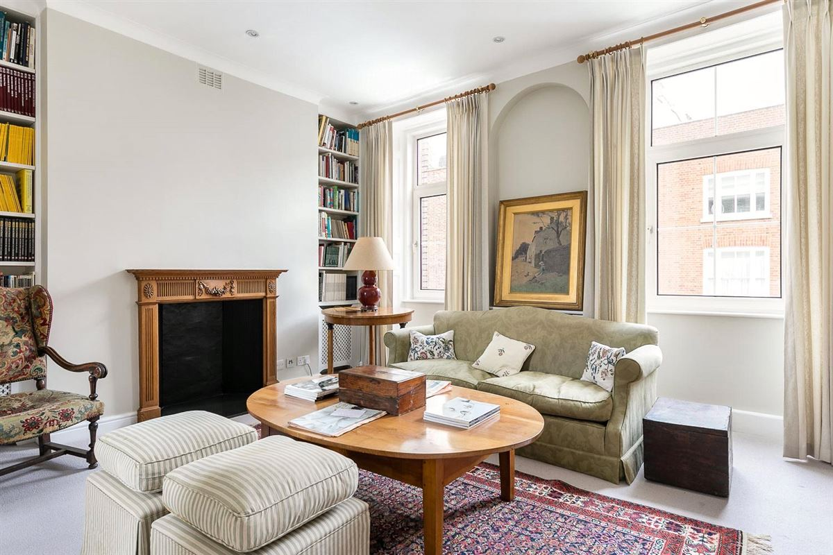 charming townhouse in the heart of Chelsea luxury properties