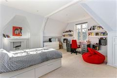 Mansions a stunning listed period home in a sought after village