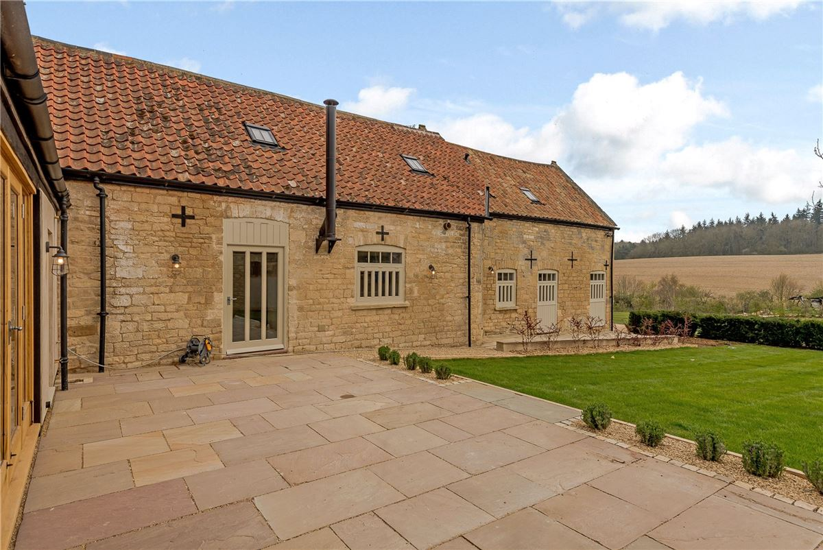 Mansions in An exquisitely renovated barn conversion with stunning views