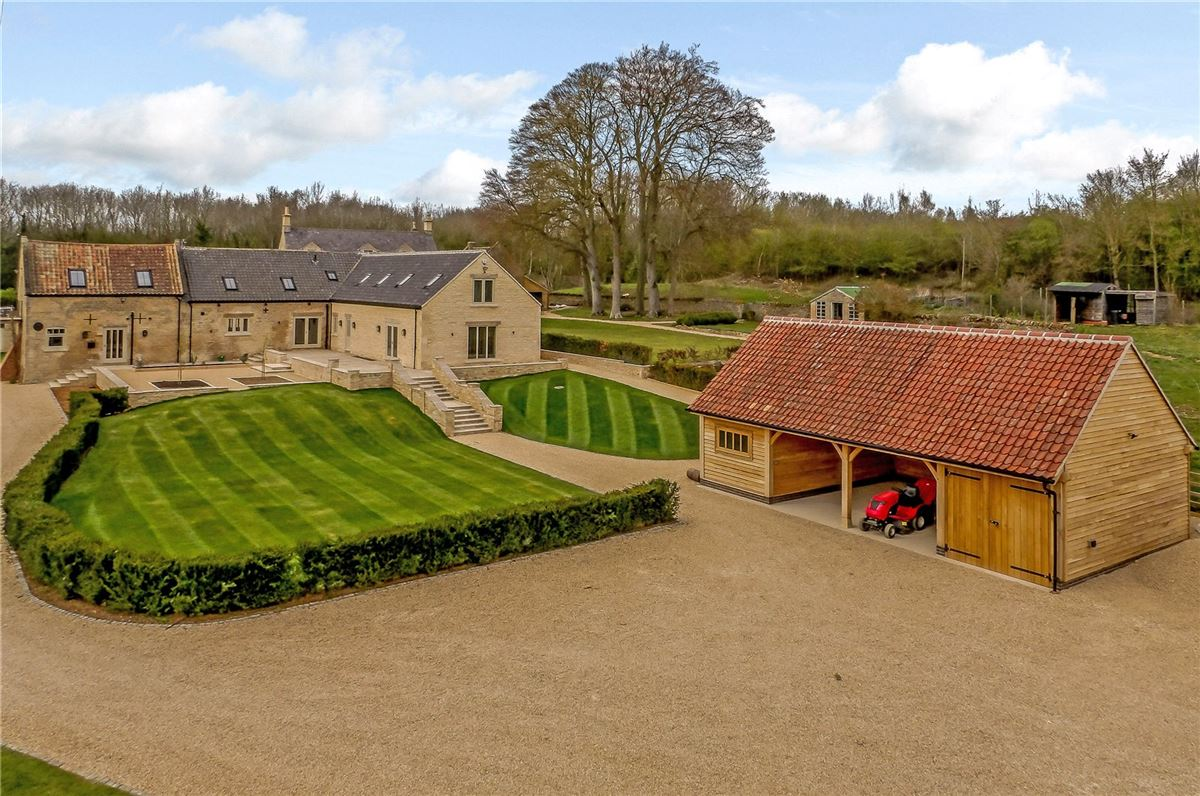 Mansions An exquisitely renovated barn conversion with stunning views