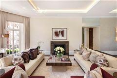 Mansions exquisite first floor apartment