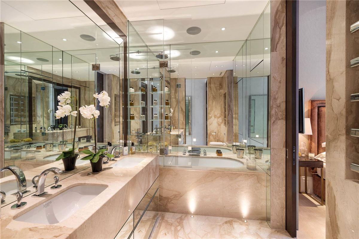 Luxury properties exquisite first floor apartment