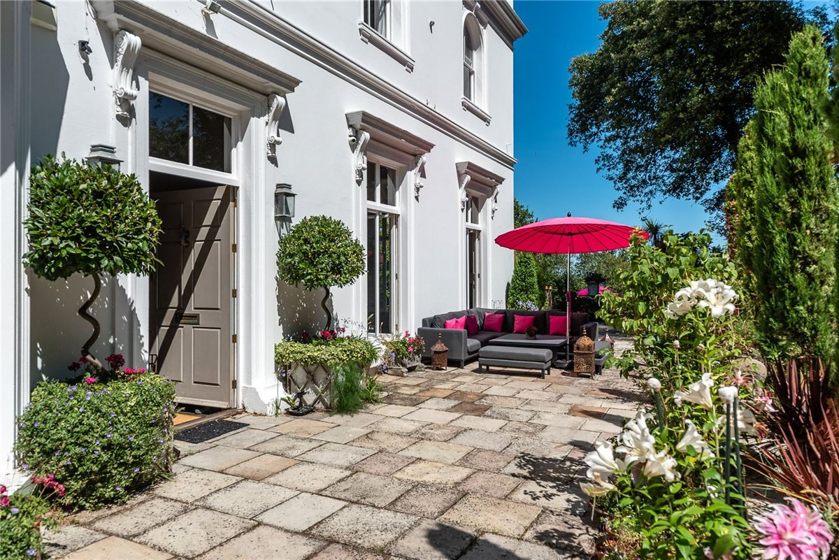 Luxury homes in Kingsdown Place