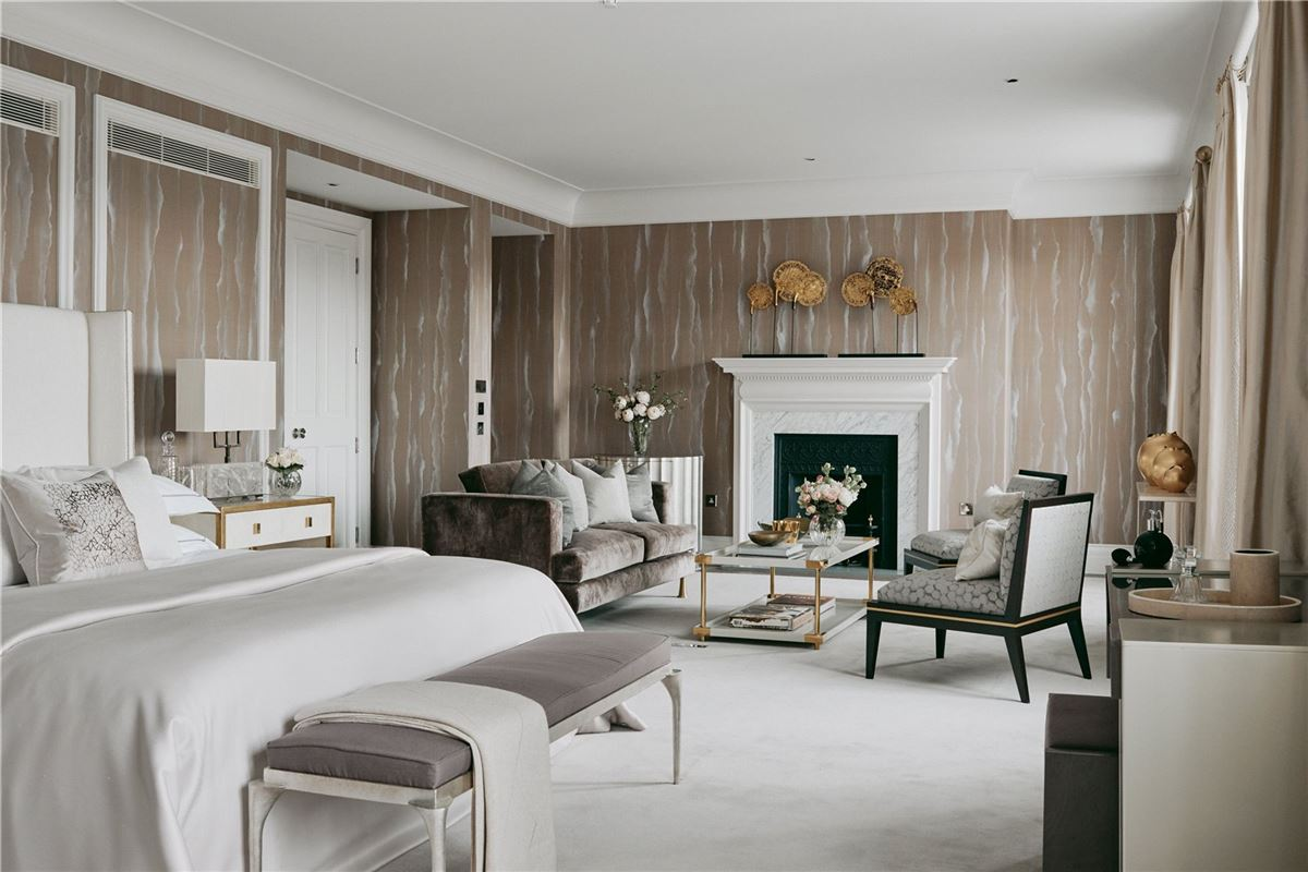 Luxury real estate stunning four bedroom lateral apartment