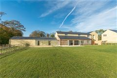 Mansions in Lovely detached new house with good sized gardens