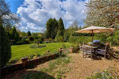 Ewshot Cottage luxury properties