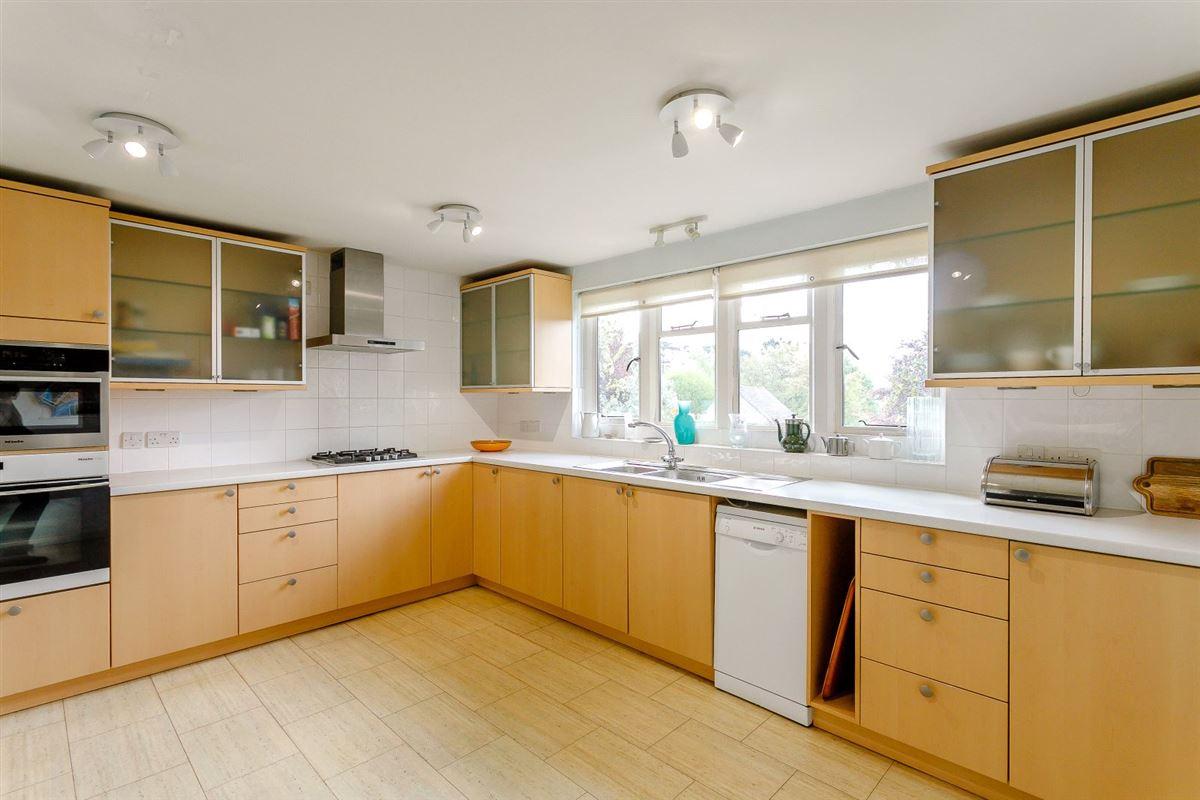 Luxury real estate Sydenham