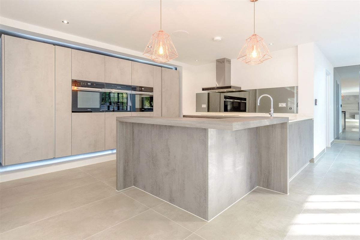 Luxury homes completely remodelled and renovated cuffley home
