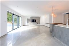 Luxury homes in completely remodelled and renovated cuffley home