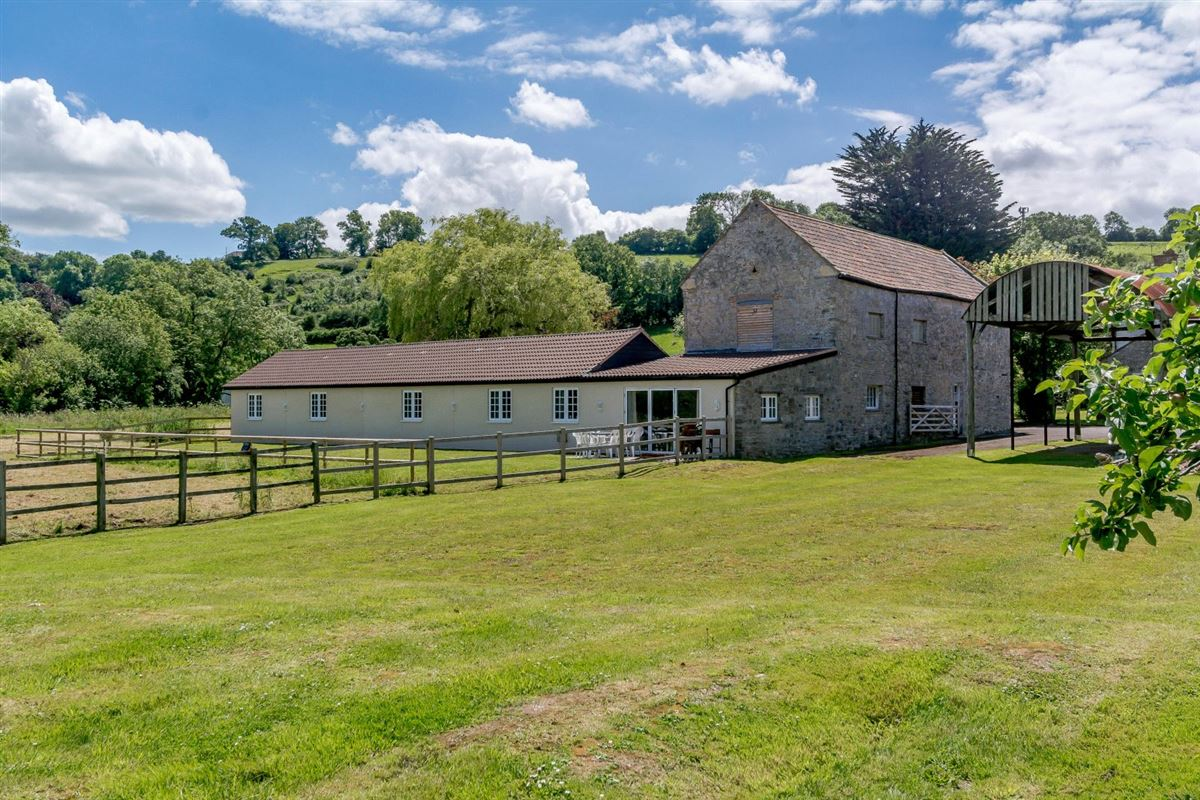Luxury properties Manor Farm