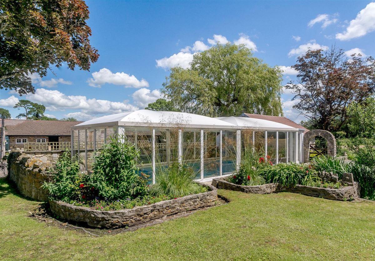 Luxury homes in Manor Farm