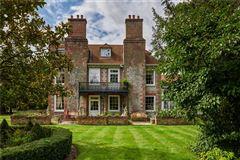 Cholderton House luxury real estate