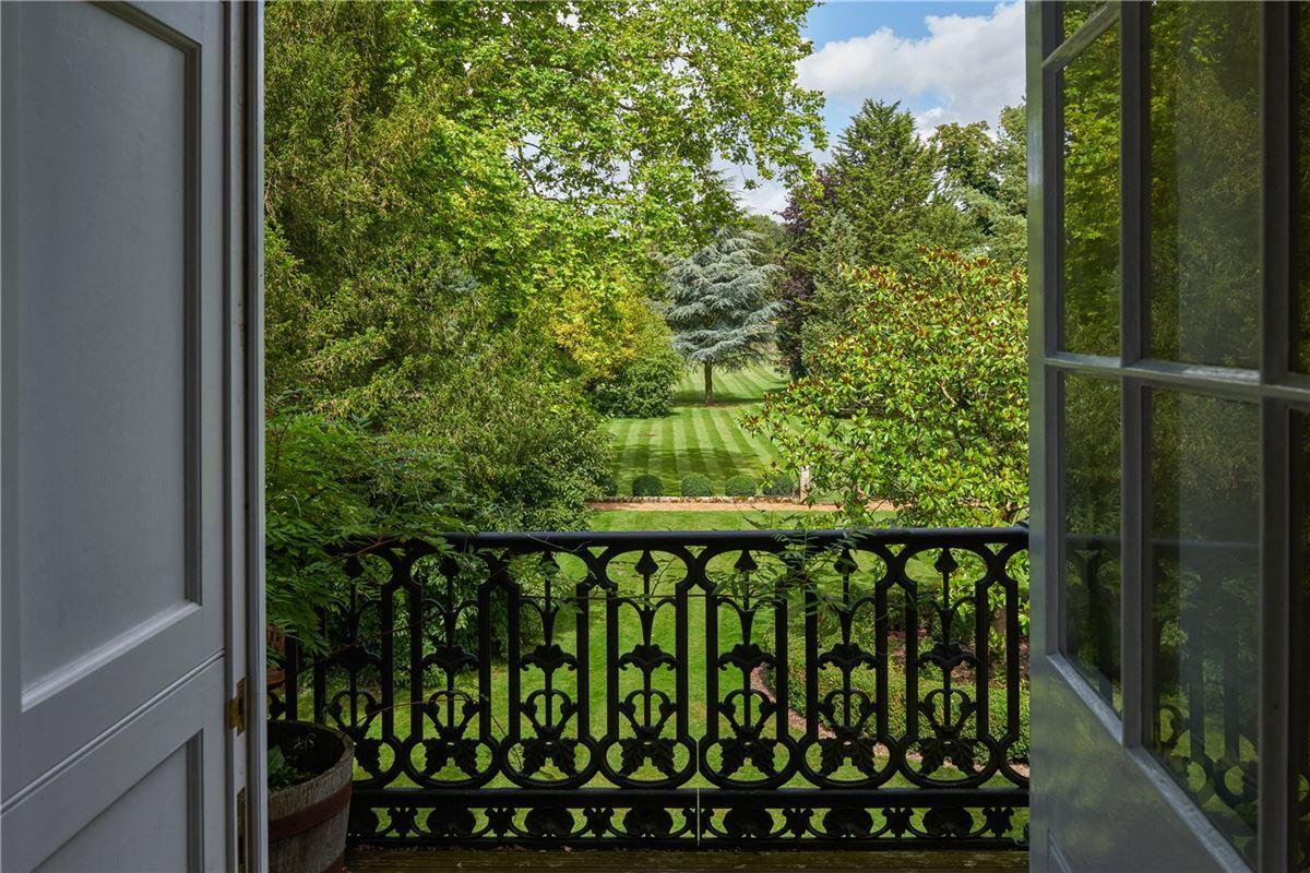 Luxury real estate Cholderton House