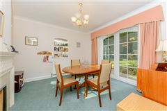 Mansions in a delightful and spacious home set in a peaceful location