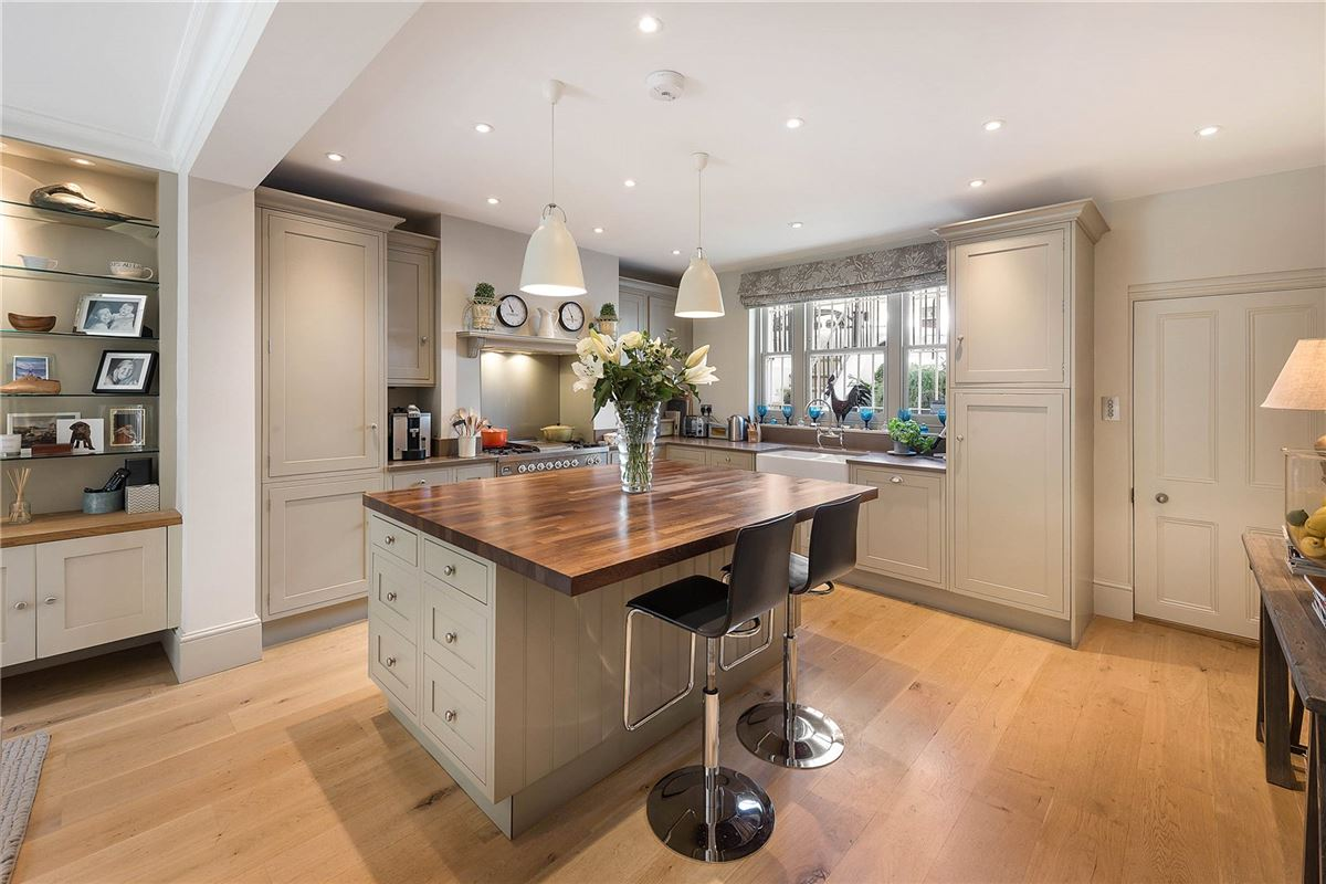 Luxury homes charming home sought after Ten Acre Estate