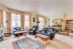 Mansions light-filled four bedroom flat
