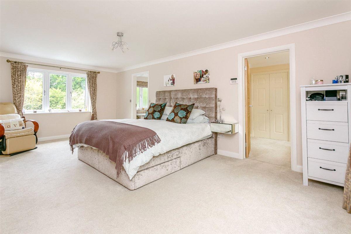 Luxury homes in Brookwood