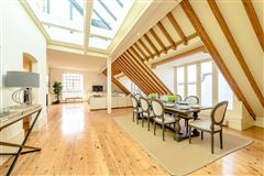 A truly spectacular and absolutely unique three bedroom warehouse conversion luxury properties