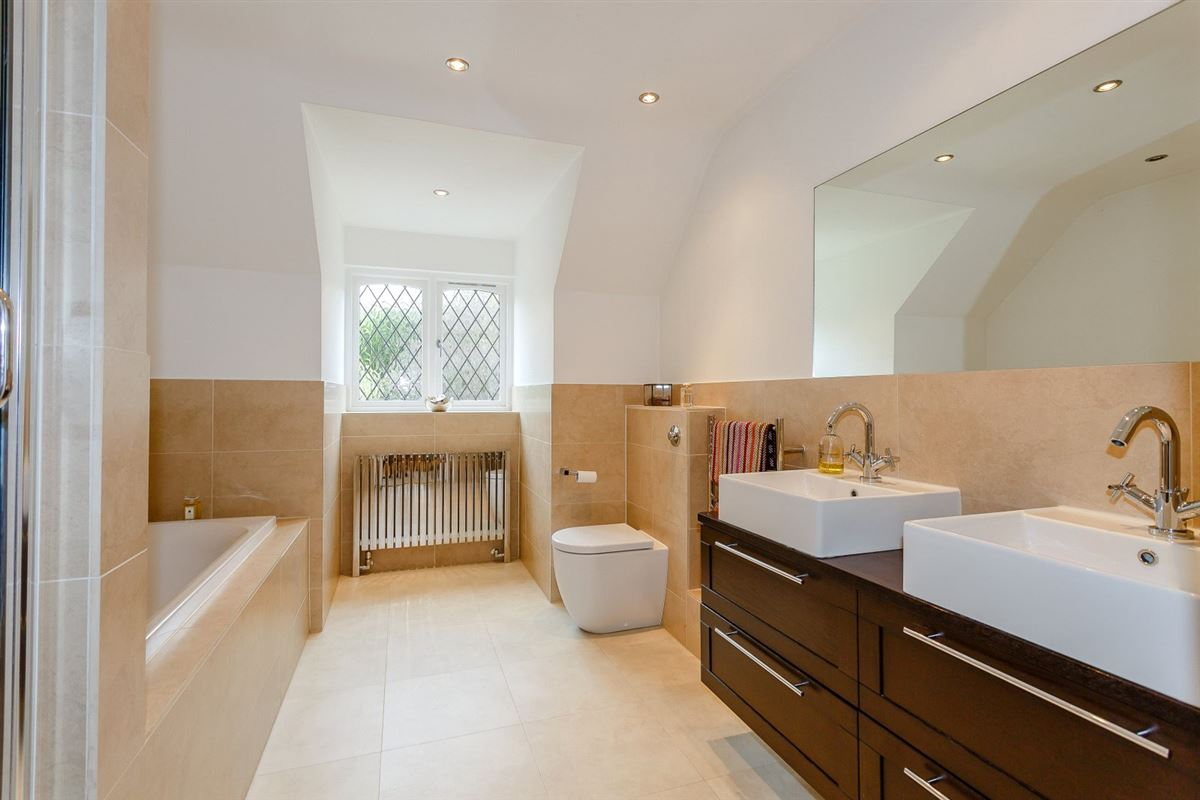 immaculate home in popular Radlett luxury properties