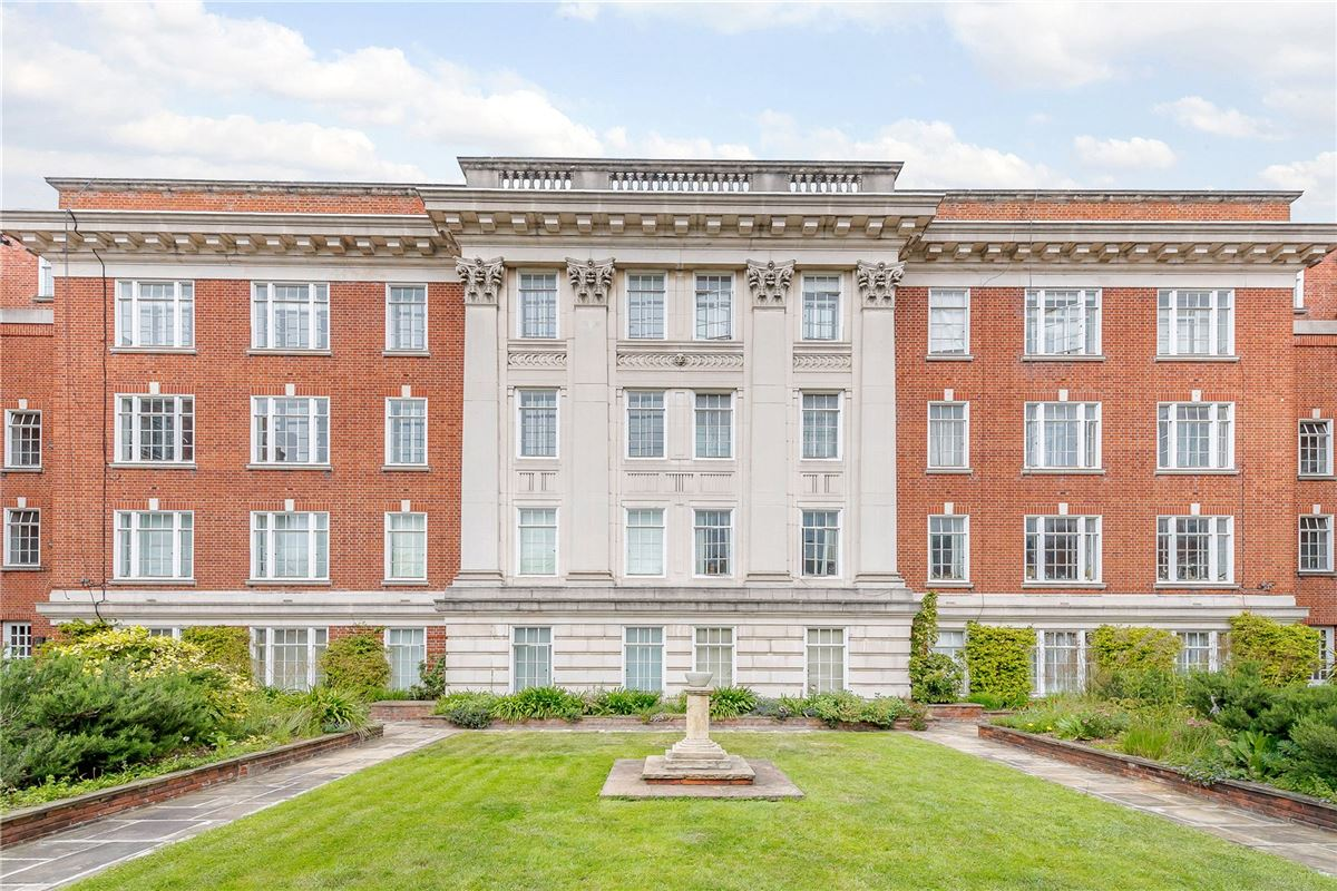 Luxury real estate a well-presented apartment in an attractive mansion block